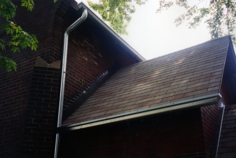 Eavestrough Cleaning and Maintance